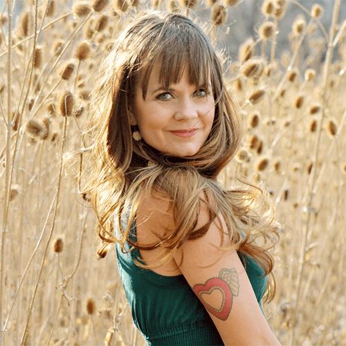 Briana Borten founder of the Dragontree, Love Rising Collective, Online Entrepreneur