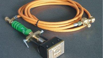 Gasbrandstempel verwarmd met gas of propaangas en gegraveerde koper, messing of inox RVS plaat om vochtig hout te brandmerken.
