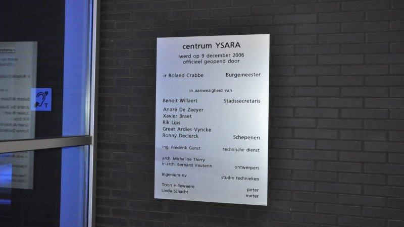 Aluminium gedenkplaat, geanodiseerd inhuldigingsplaat of herdenkingsplaat graveren met teksten, logo's, foto's voor een inhuldiging, gedenking of herdenking.