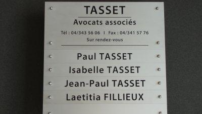 Aluminium combi naamplaat of geanodiseerd gecombineerd naambord graveren met een of meerdere namen, teksten en/of logo's.