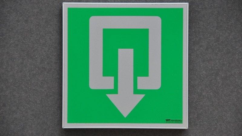 Flatsign pictogrammen of i-sign veiligheidspictogrammen in aluminium om veiligheidssignalisatie van gebouw wettelijk in orde te brengen.
