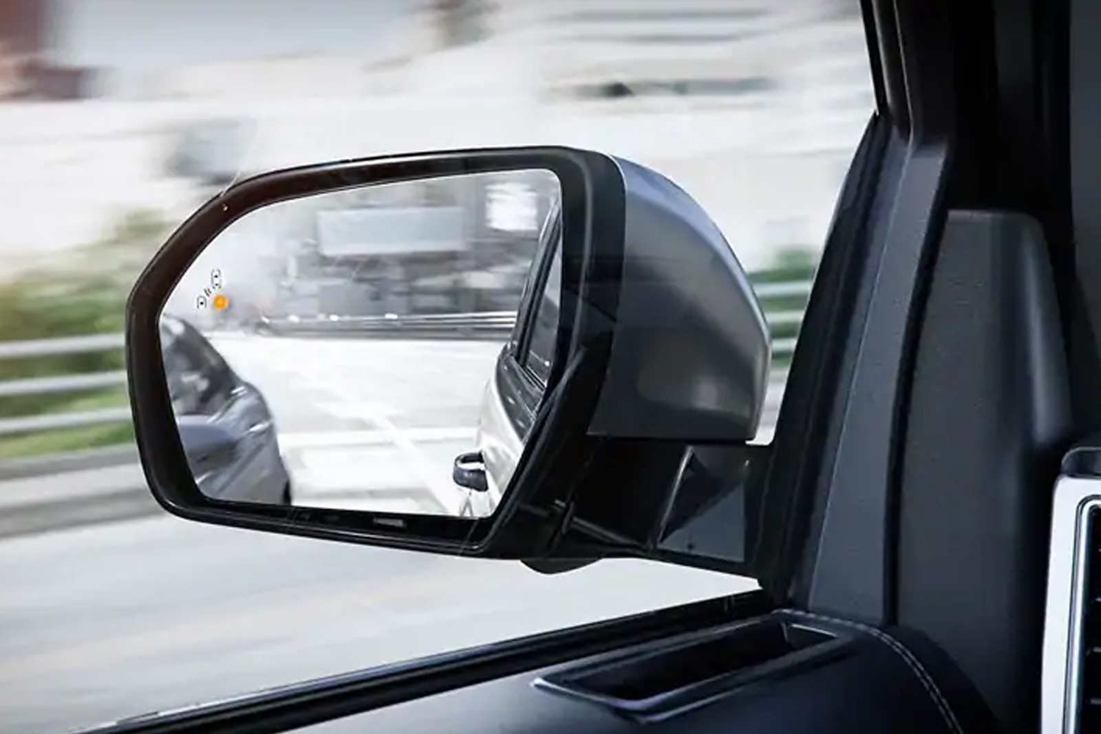 blind spot information system with cross-traffic alert on sideview mirror