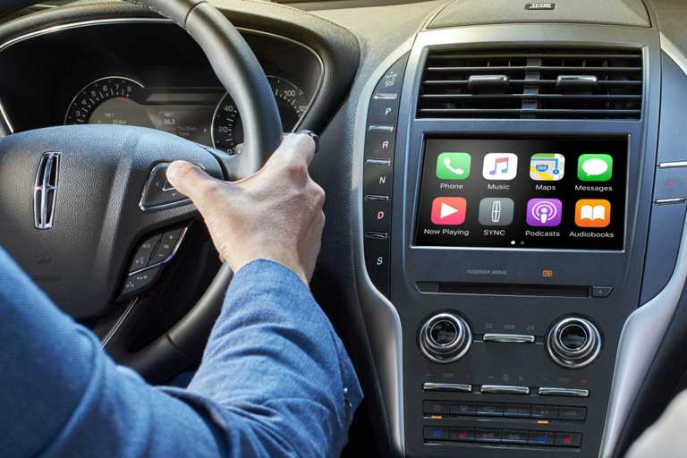 apple carplay and android auto in a lincoln with sync 3