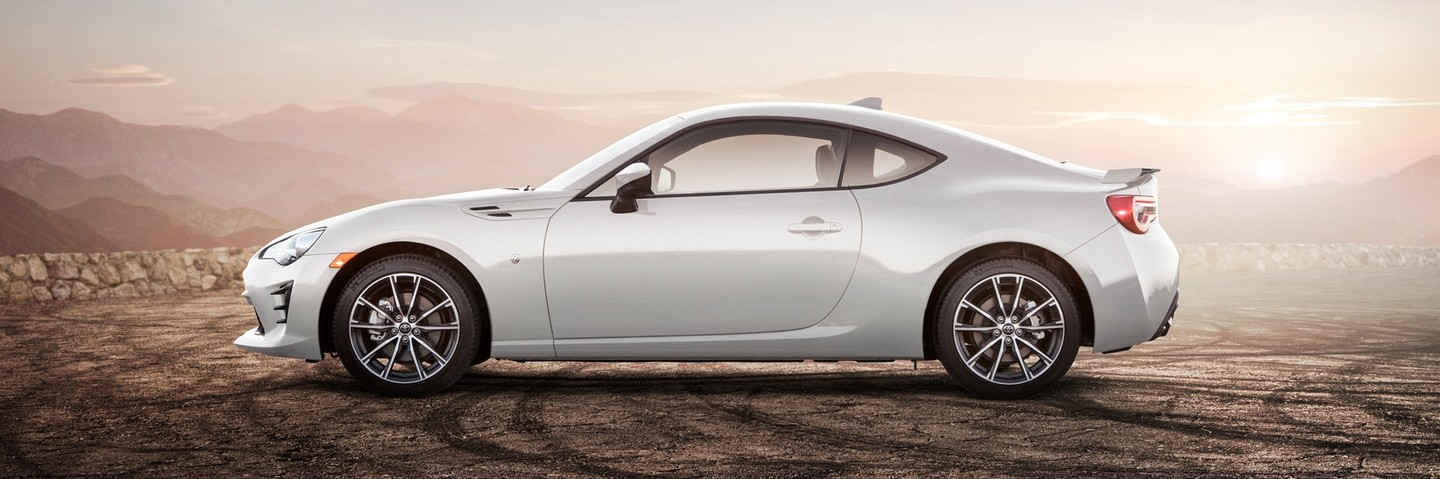 White 2019 Toyota 86 parked on a hill