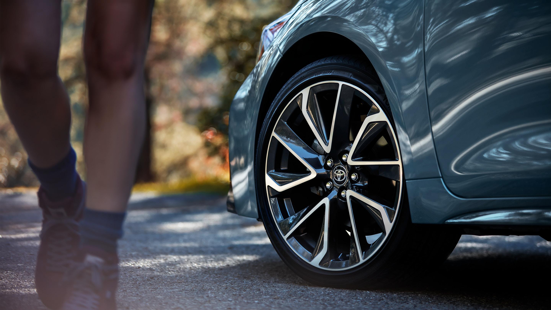 2020 toyota corolla tire service