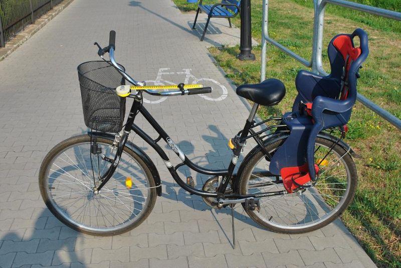 Zderzyły się na ścieżce rowerowej. Trafiły do szpitala - Zdjęcie główne