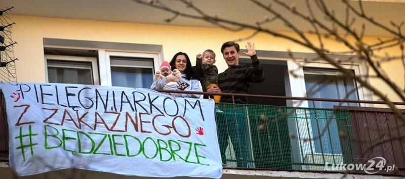 Łukowska fotografka pokazała rodziny, które przez wirusa zostały w domu  - Zdjęcie główne
