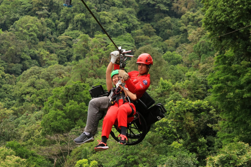 Day 6. Arenal zipline adventure + Cooking lesson thumbnail