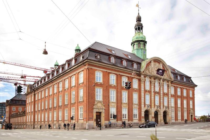 Street view of the Villa Copenhagen exterior