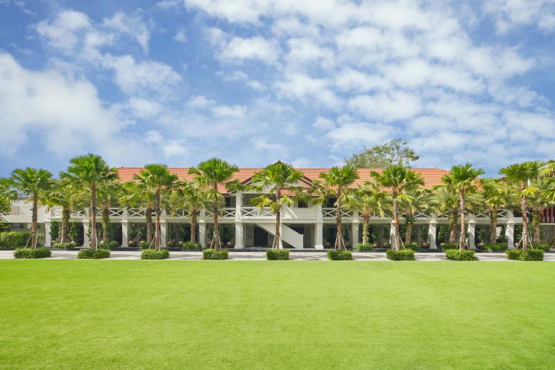 Hotel lawn