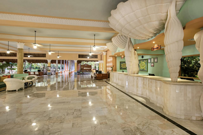 Iberostar Paraiso del Mar lobby with marble check-in desk