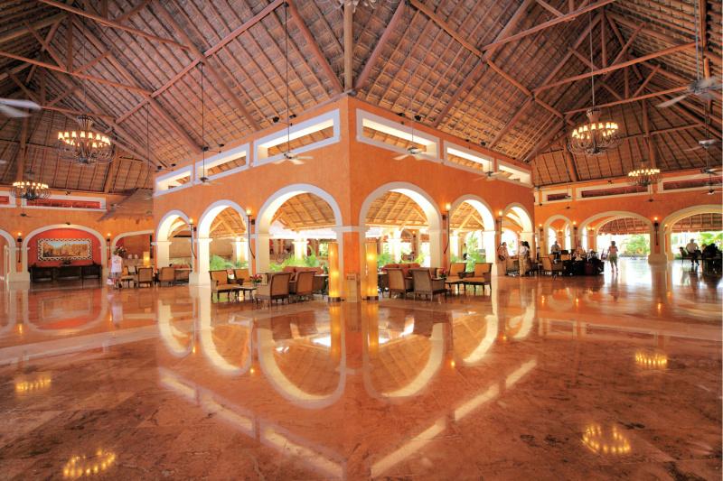 Barceló Maya Grand Lobby