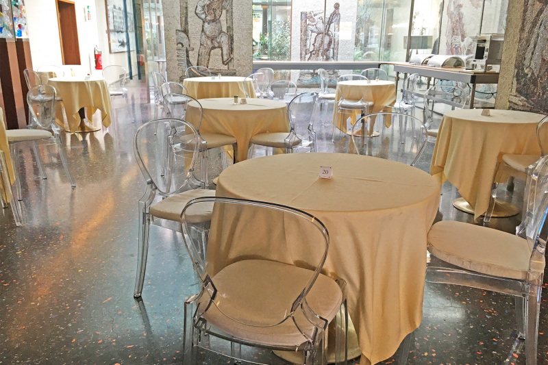 Breakfast area with tables placed an accessible height