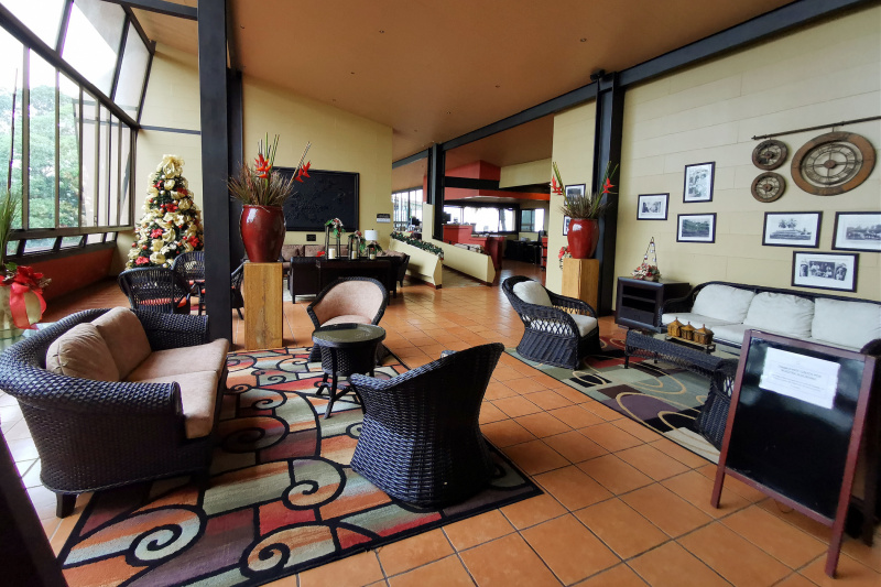 Lounge area and accessible pathways