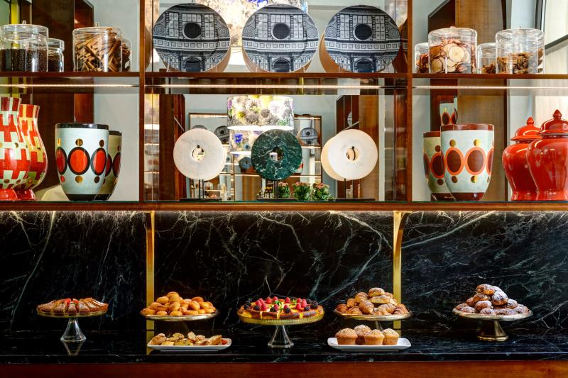 Buffet breakfast pastries