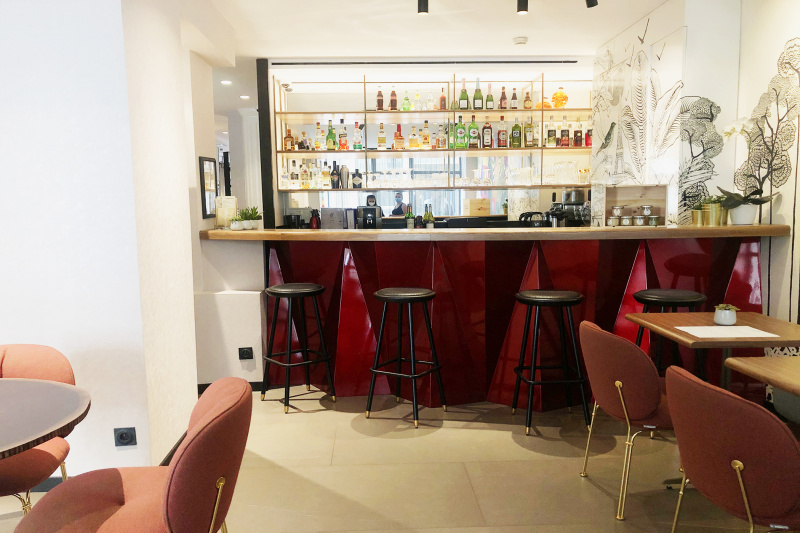 Fully stocked lobby bar