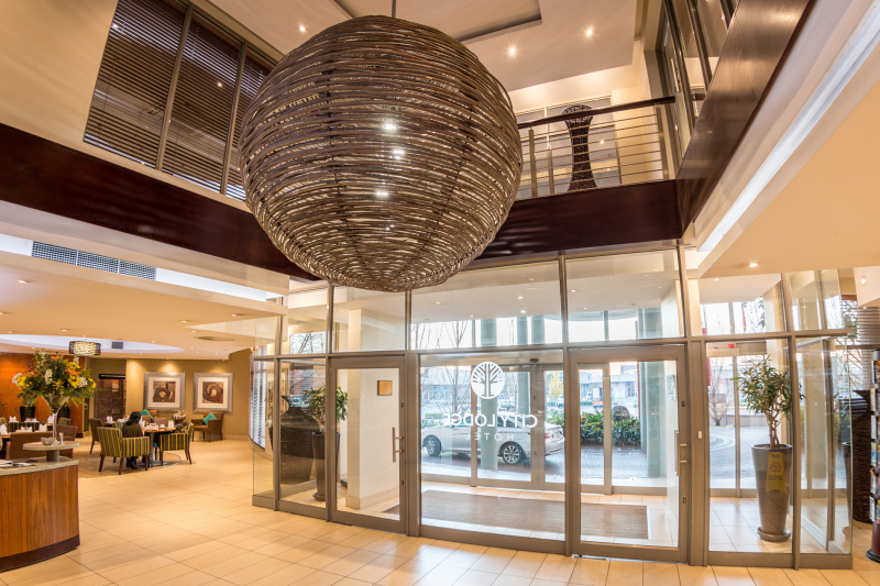 Hotel lobby with a large modern step-free entrance and restaurant access