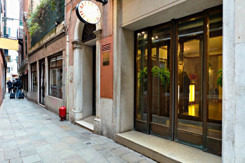 Hotel All'Angelo entrance