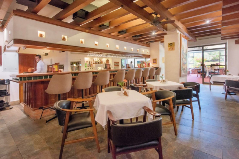 Vitrales restaurant and dining space