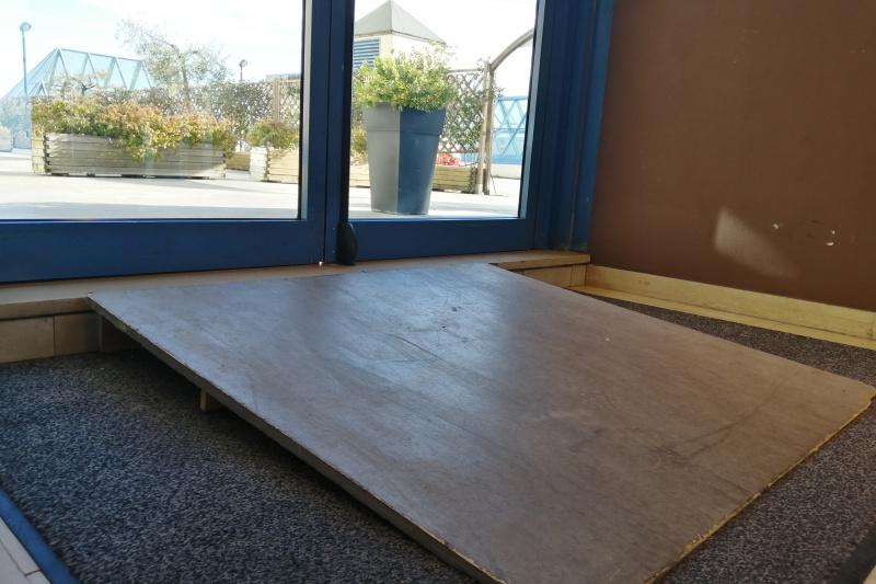 Exit doors and ramp