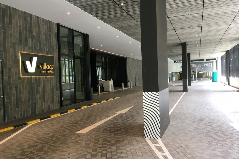 Entrance to the hotel through parking.