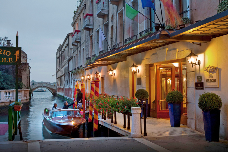Baglioni Hotel Luna exterior with a ramp entrance and boat access