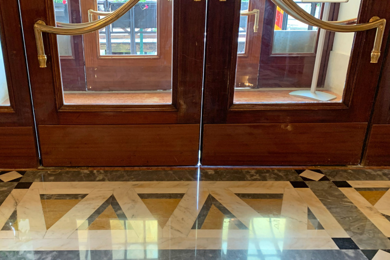 Baglioni Hotel Luna's step-free entrance has two sets of wide double doors