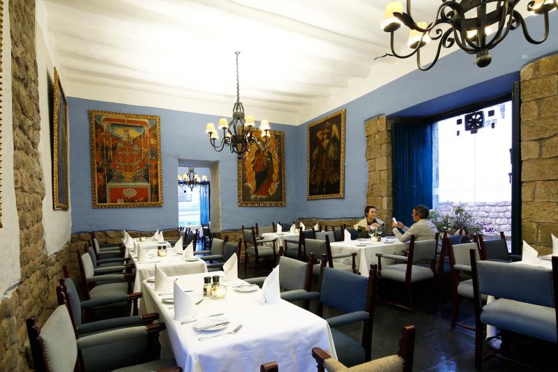 Alma Restaurant & Bar dining space