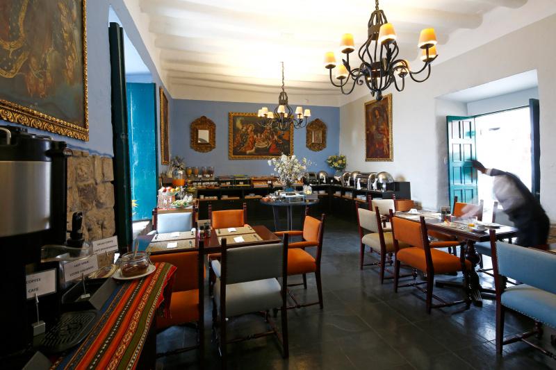 Alma Restaurant & Bar dining area and breakfast buffet station