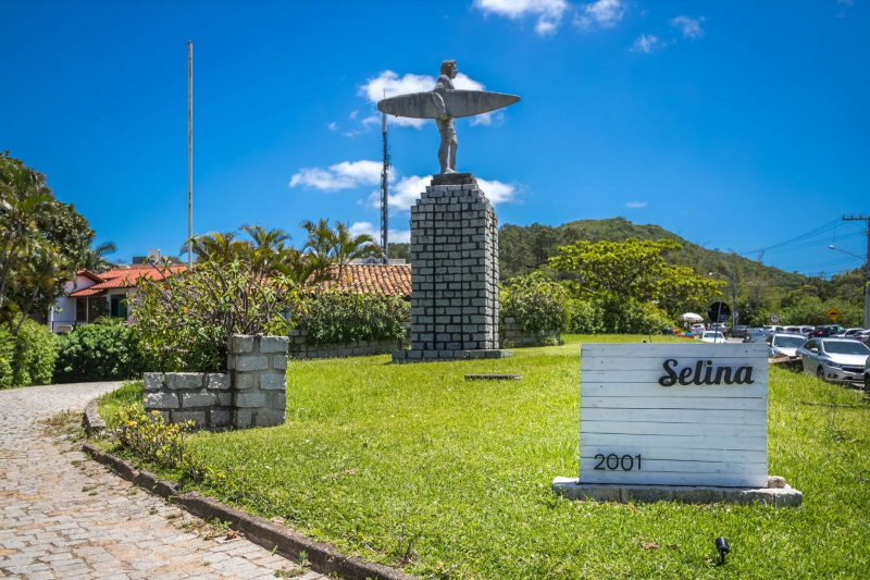 Selina Floripa entrance