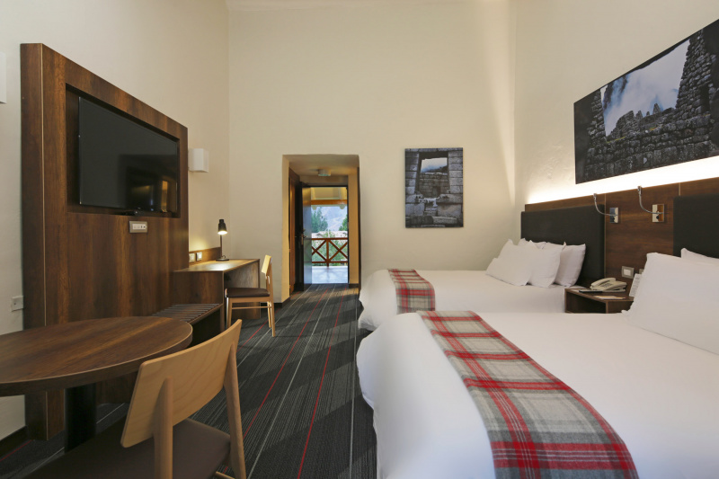 Double accessible rooms with spacious pathways, a step free entrance, and two queen beds