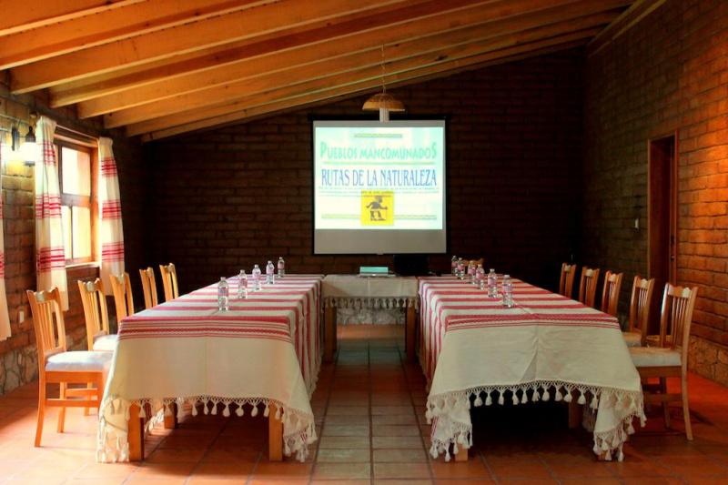 Cabins at Sierra Norte dining room and tile foors
