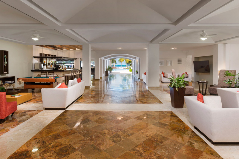 Expansive lobby with pool table and wide space