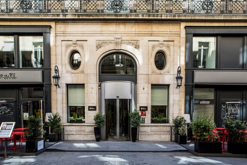 Hotel Indigo Paris - Opera entrance