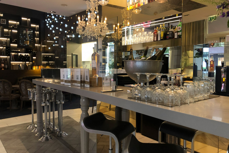 La Table du 7 wine bar