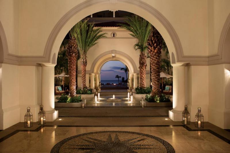The entrance to Dreams Los Cabos Suites Golf Resort & Spa