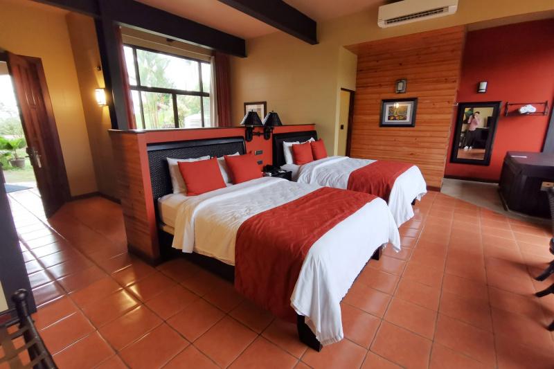 Accesible Suite Two Queen Beds, Volcano and Garden View