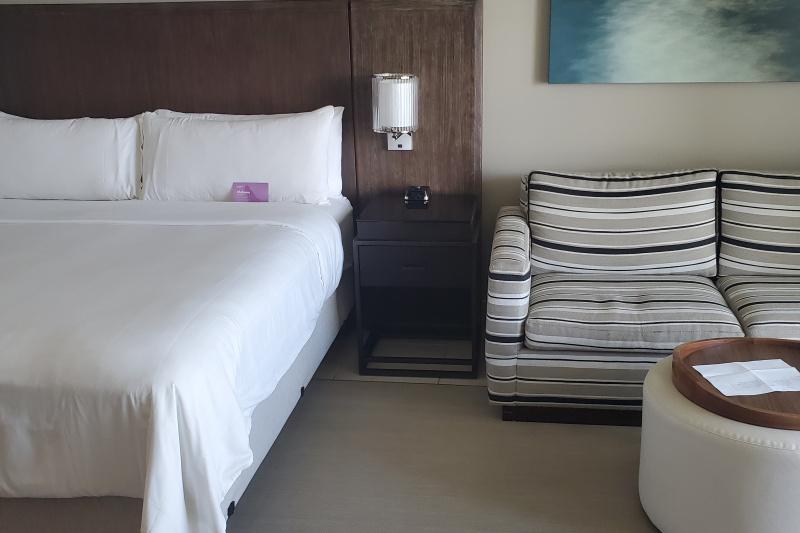 Ocean view room with bathtub