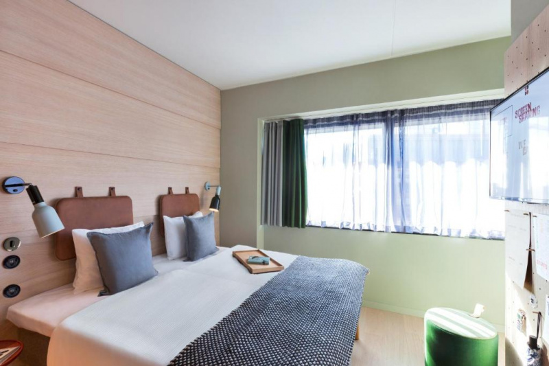 Accessible double room with inner courtyard view