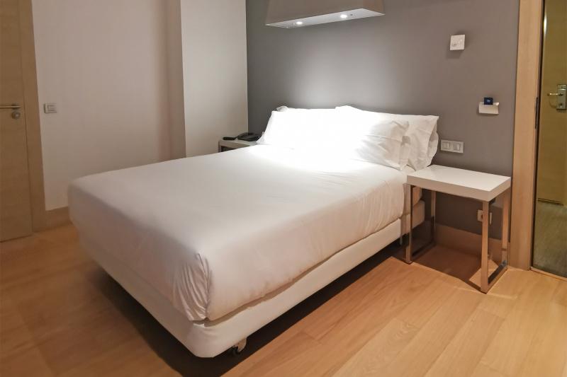 Queen room 206