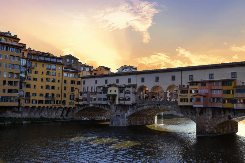 Ponte Vecchio terrace house over a canal