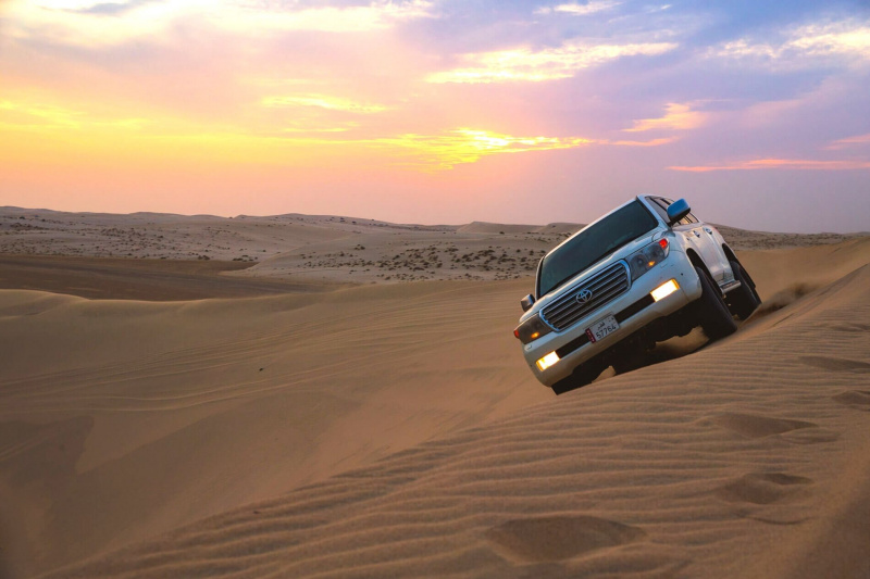 Dune bashing and desert sightseeing