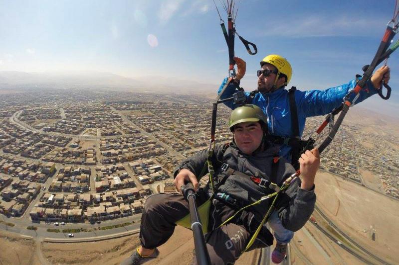 Tandem paraglide over Iquique