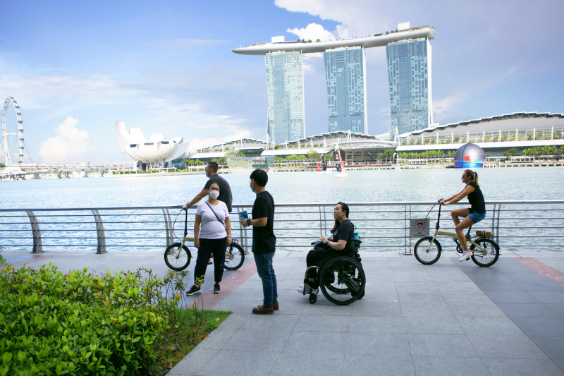 Strolling along the waterfront at Merlion Park