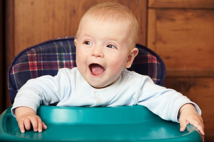 Baby in stoel