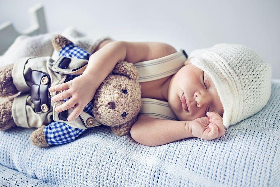 Baby-van-7-weken-oud-slaapt-nog-veel