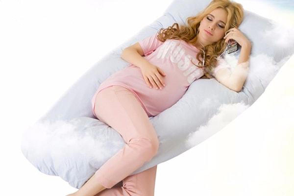 Beter slapen met een voedingskussen