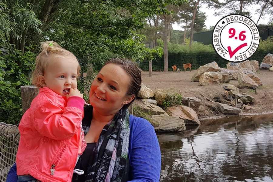 moeder-en-dochter-in-safaripark-beekse-bergen