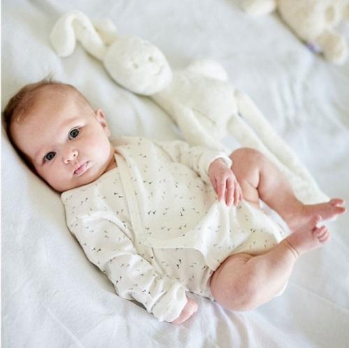 9 maanden zwanger, babykleertjes