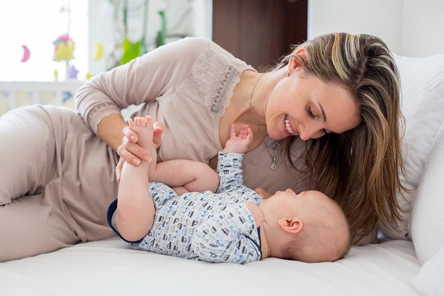 Tgemoetkomingen in de kosten van haar baby